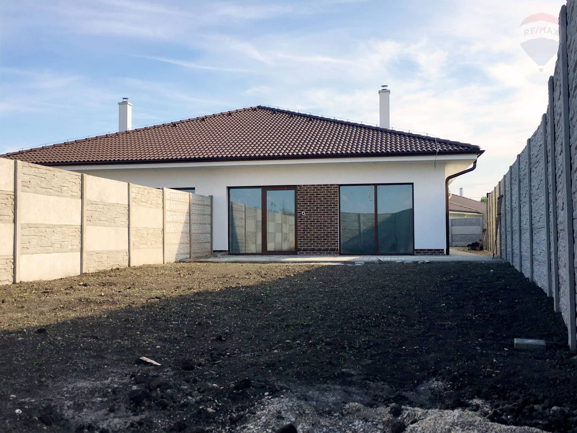 Novostavba čerstvo skolaudovaného rodinného domu v Šamoríne