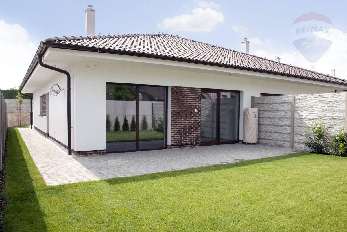 Čerstvo dokončená novostavba rodinného domu v Šamoríne