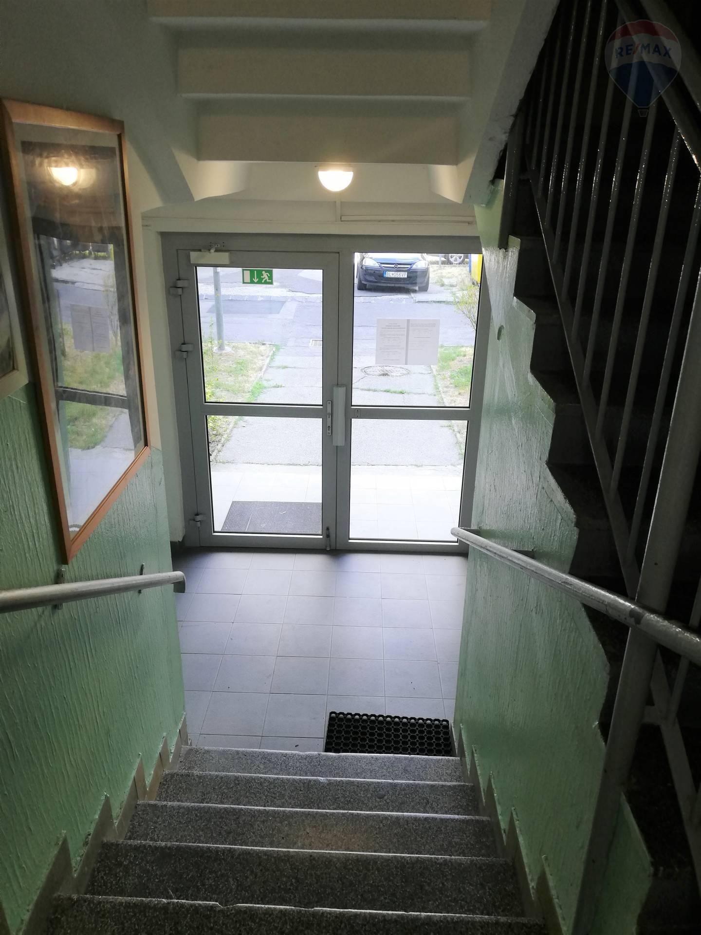 Predaj bytu (3 izbový) 75 m2, Bratislava - Ružinov - 3izbový byt