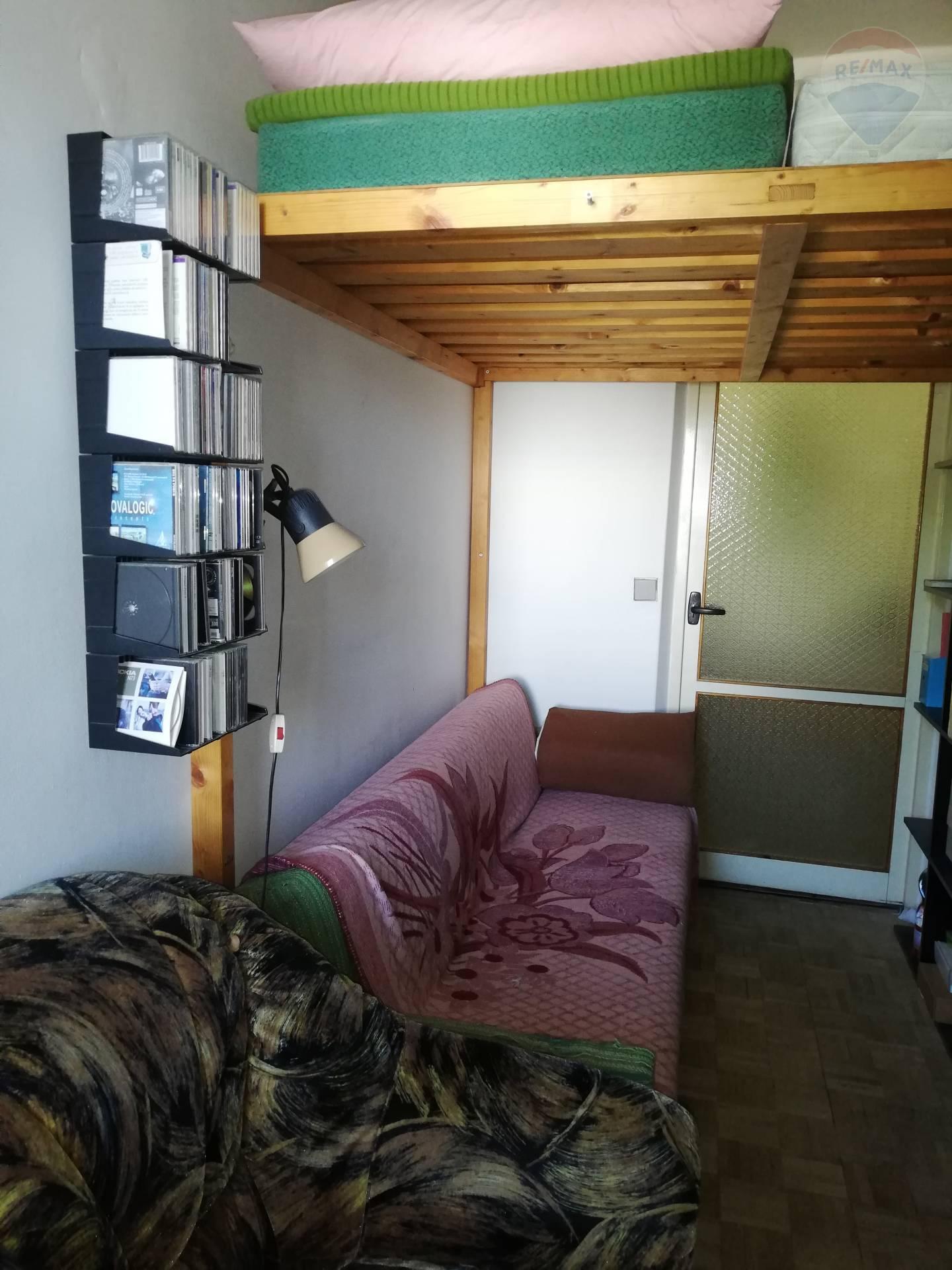 Predaj bytu (3 izbový) 75 m2, Bratislava - Ružinov - 3izbový byt izba