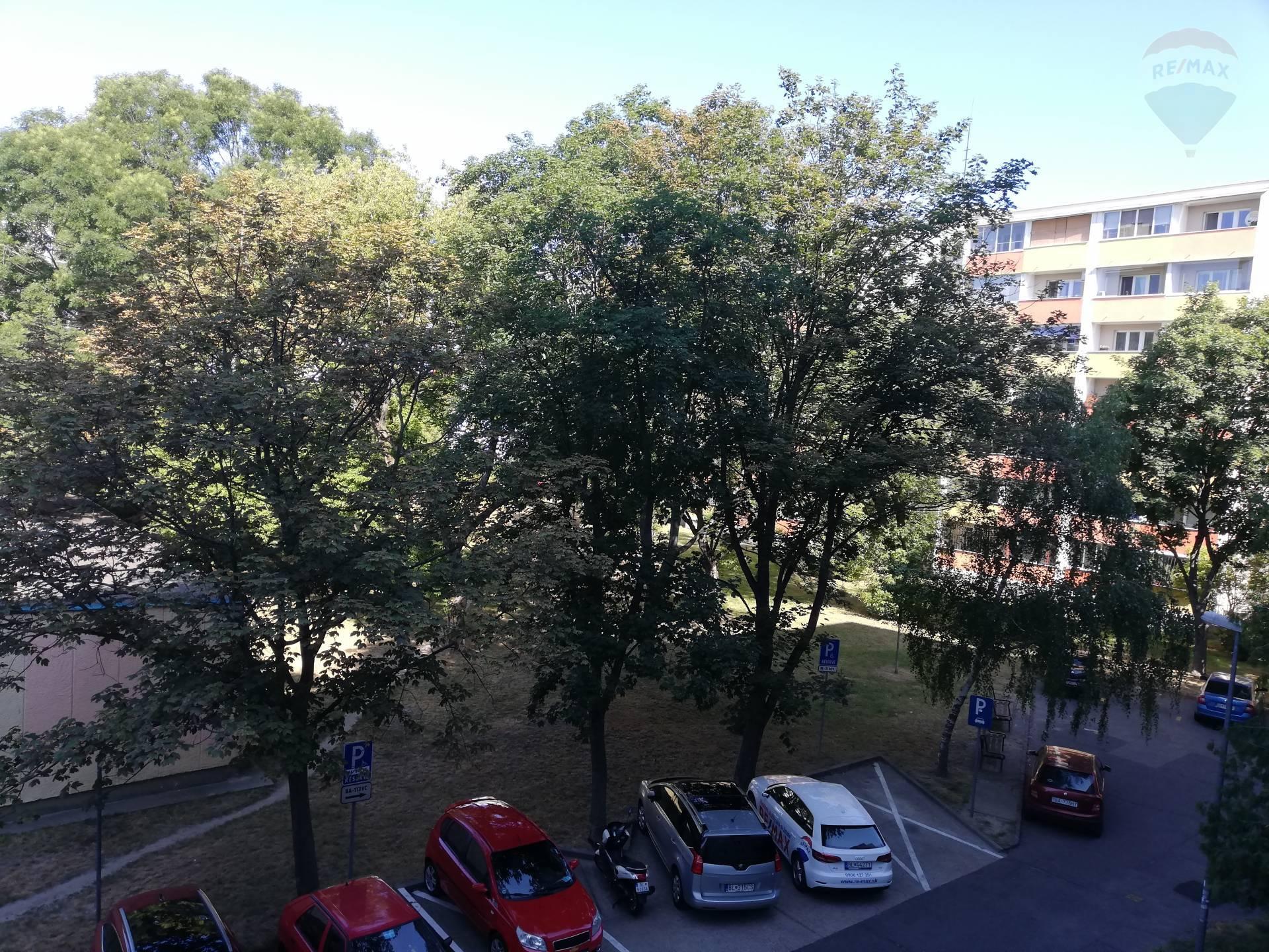 Predaj bytu (3 izbový) 75 m2, Bratislava - Ružinov - 3izbový byt výhlad
