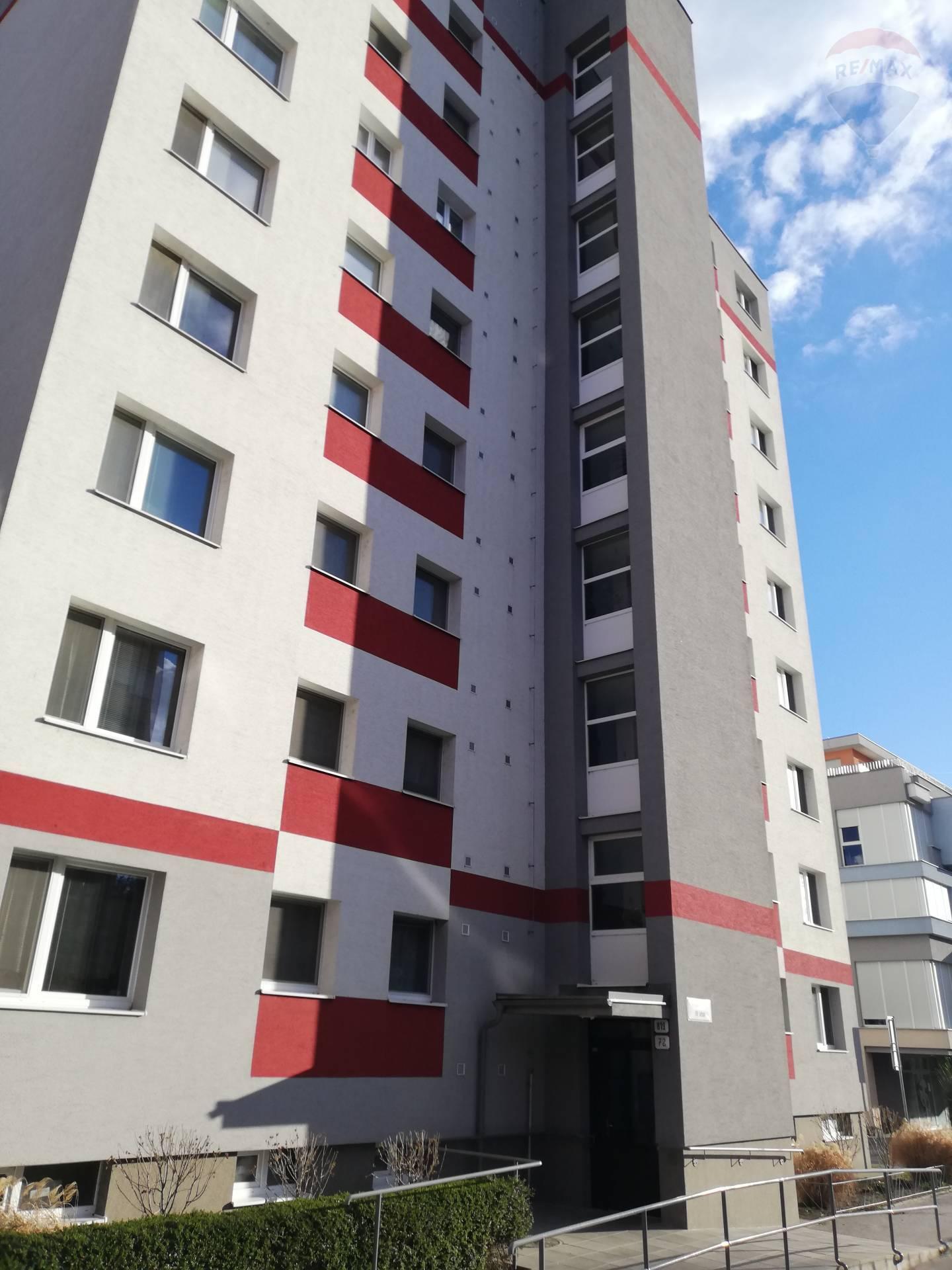 Na prenájom 1 izbový byt v centre mesta Šamorín