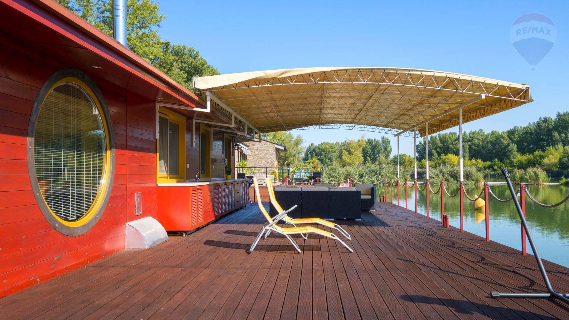 Hausboat na Jaroveckom ramene NA PREDAJ