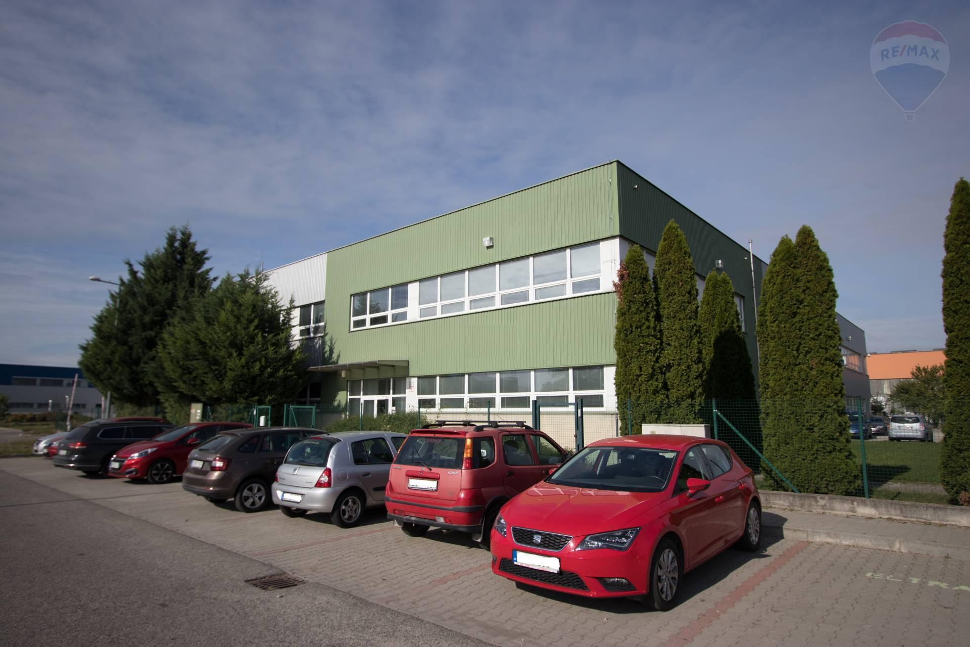 Na prenájom : Výrobno_obchodné priestory v Šamoríne 1000m2