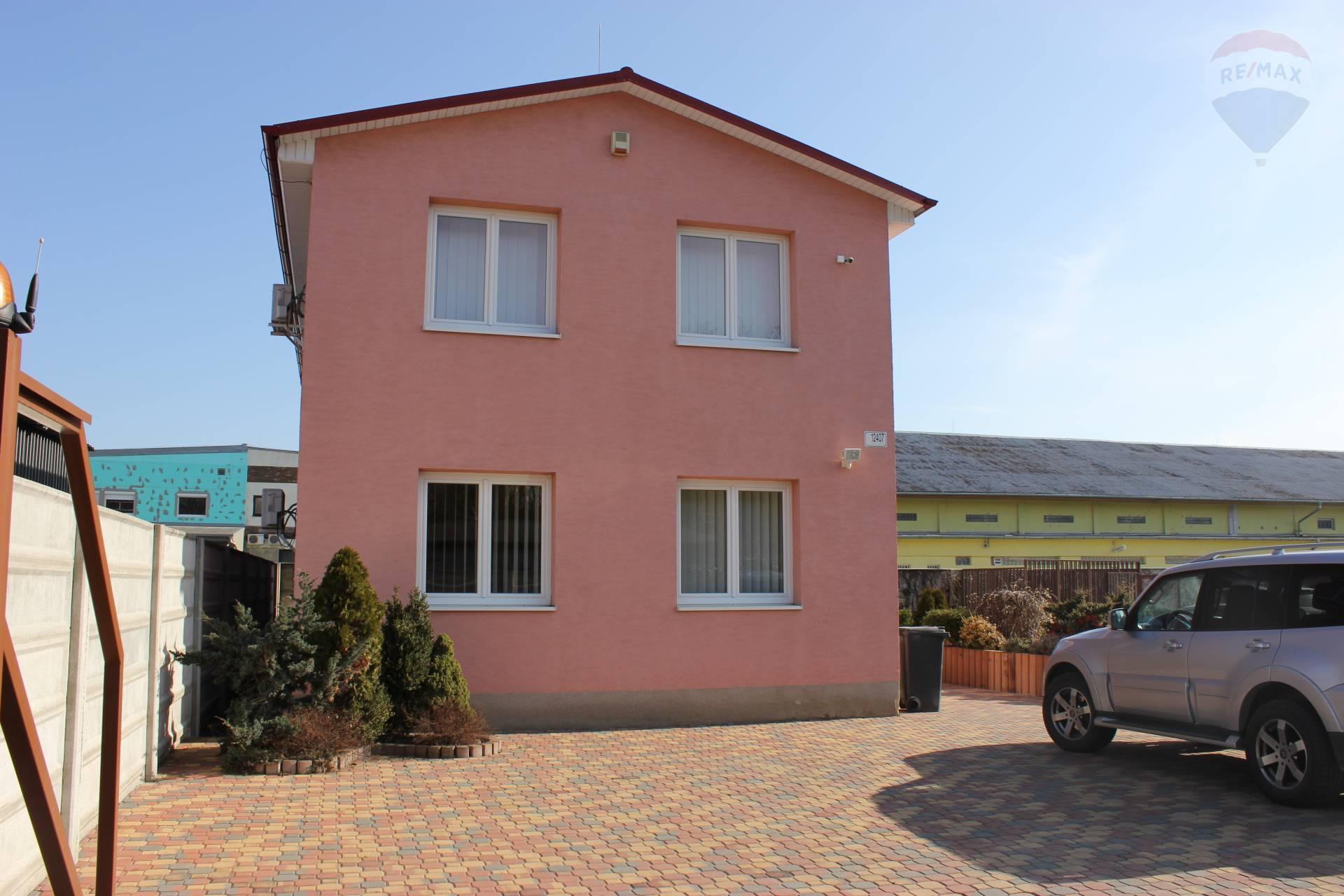 Na predaj administrativna budova s investičným pozemkom v obci Nové Mesto, okres Bratislava III.