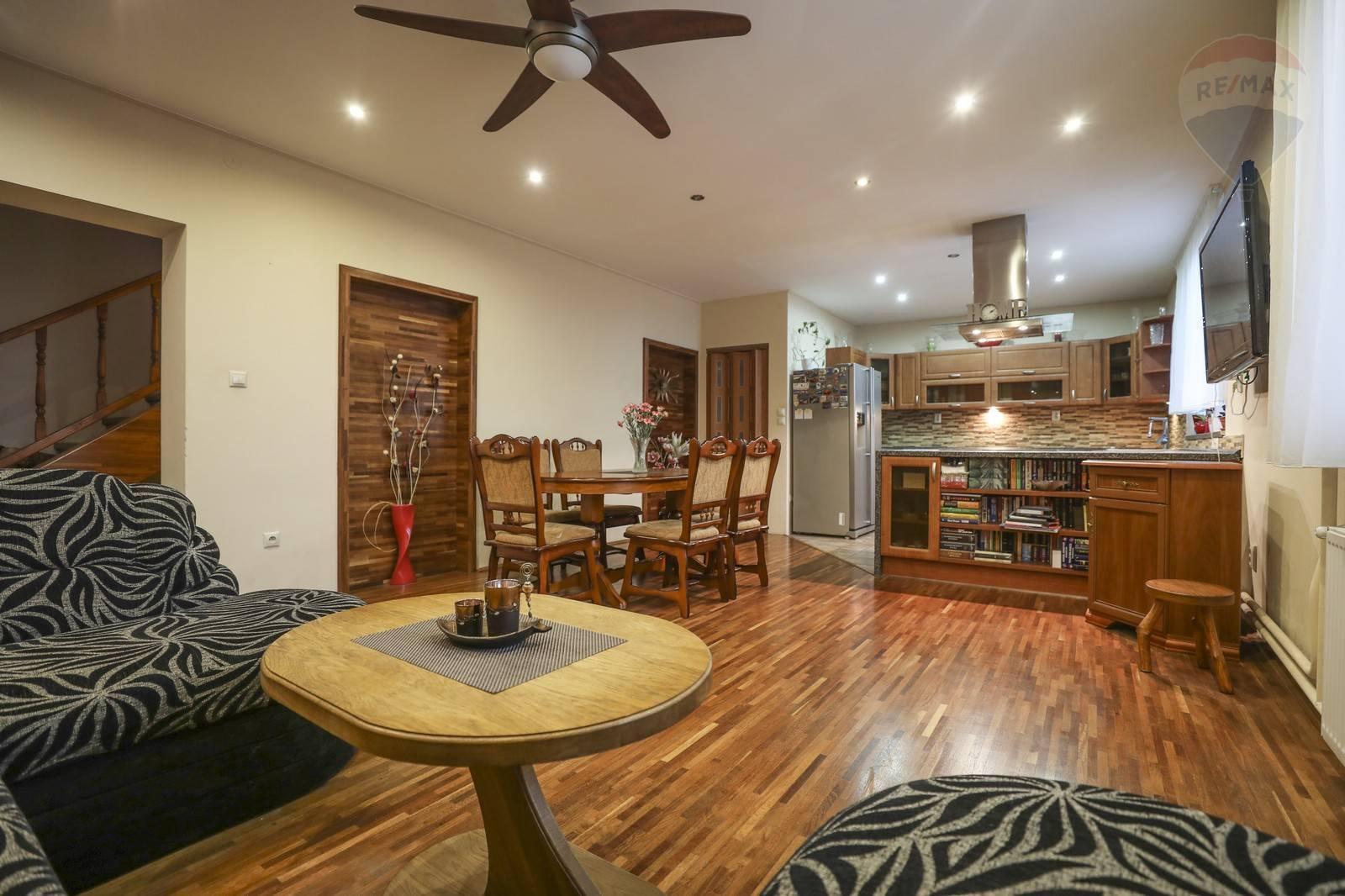 Rodinný dom na predaj (126m2) s možnosťou podnikania v obci Jahodná