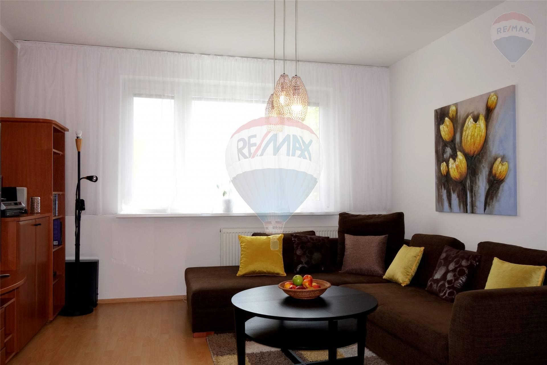 Príjemne zariadený 3-izbový byt s lodžiou na Jasovskej NA PRENÁJOM