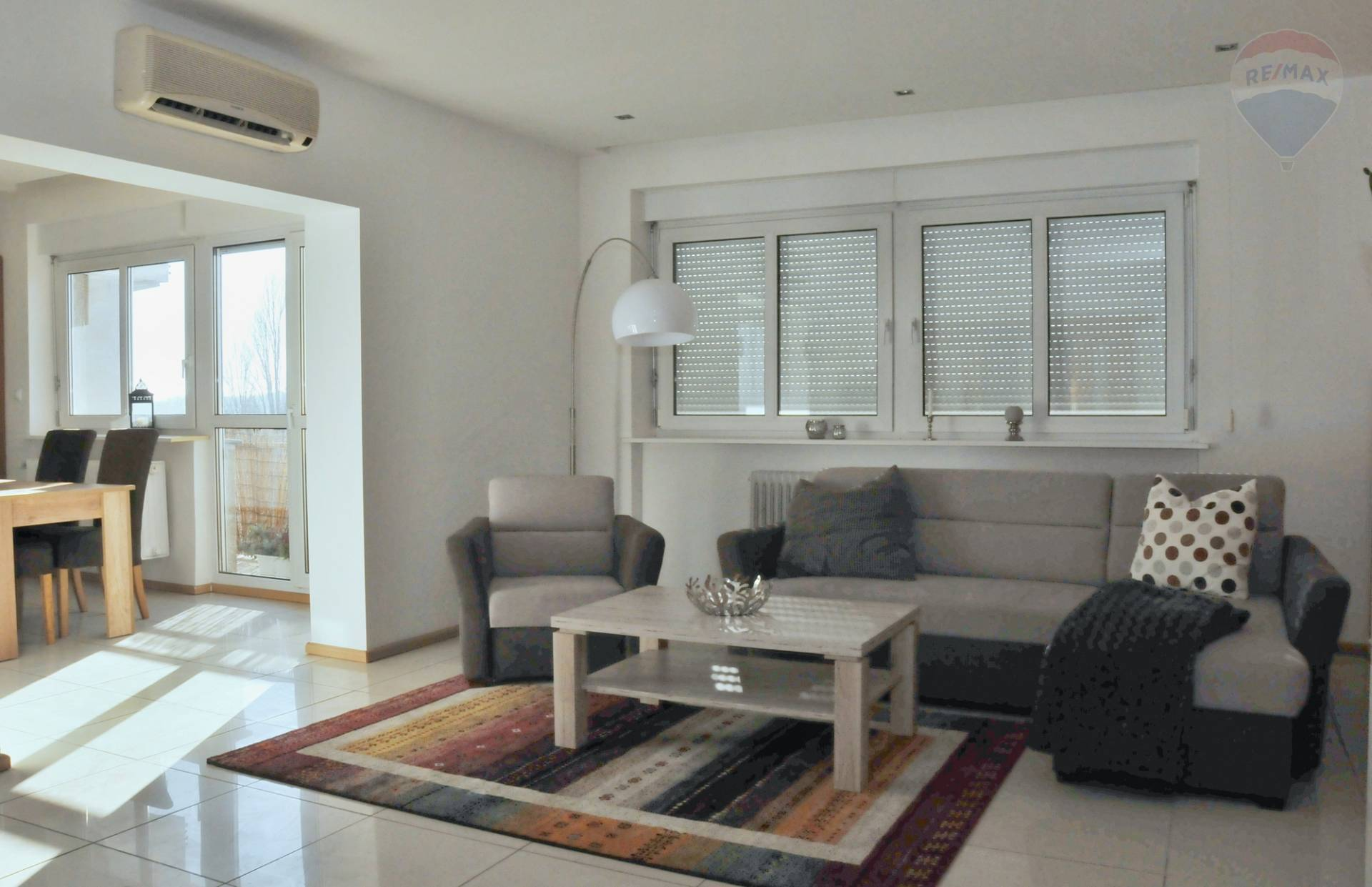 Na prenájom : 3-izbový byt v centre Bratislavy na Nábreží L.Svobody