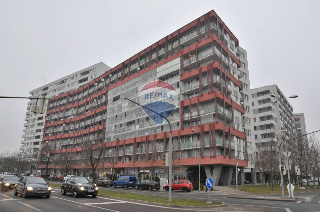 Na predaj_2 izbový veľkometrážny byt_BRATISLAVA