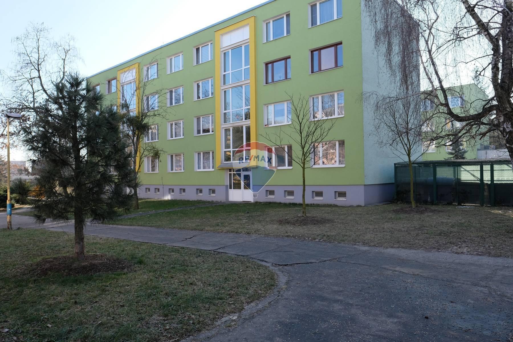 Na predaj_2 izbový slnečný byt na sídlisku Terasa