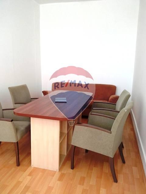 Prenájom dvoch prepojených kancelárskych priestorov Mlynské nivy, Ružinov