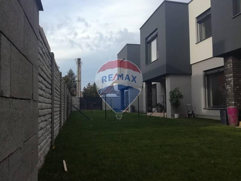 4 izbové byty s komfortom domu, dvor, dve parkovacie státia, Vrakuňa, Železničná ul.
