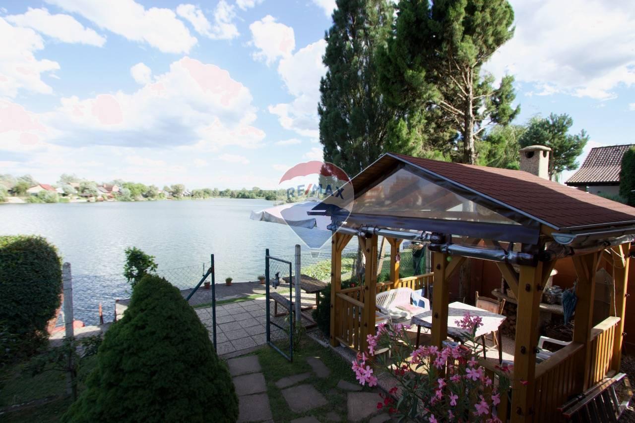Na predaj : Záhradná chata pri jazere