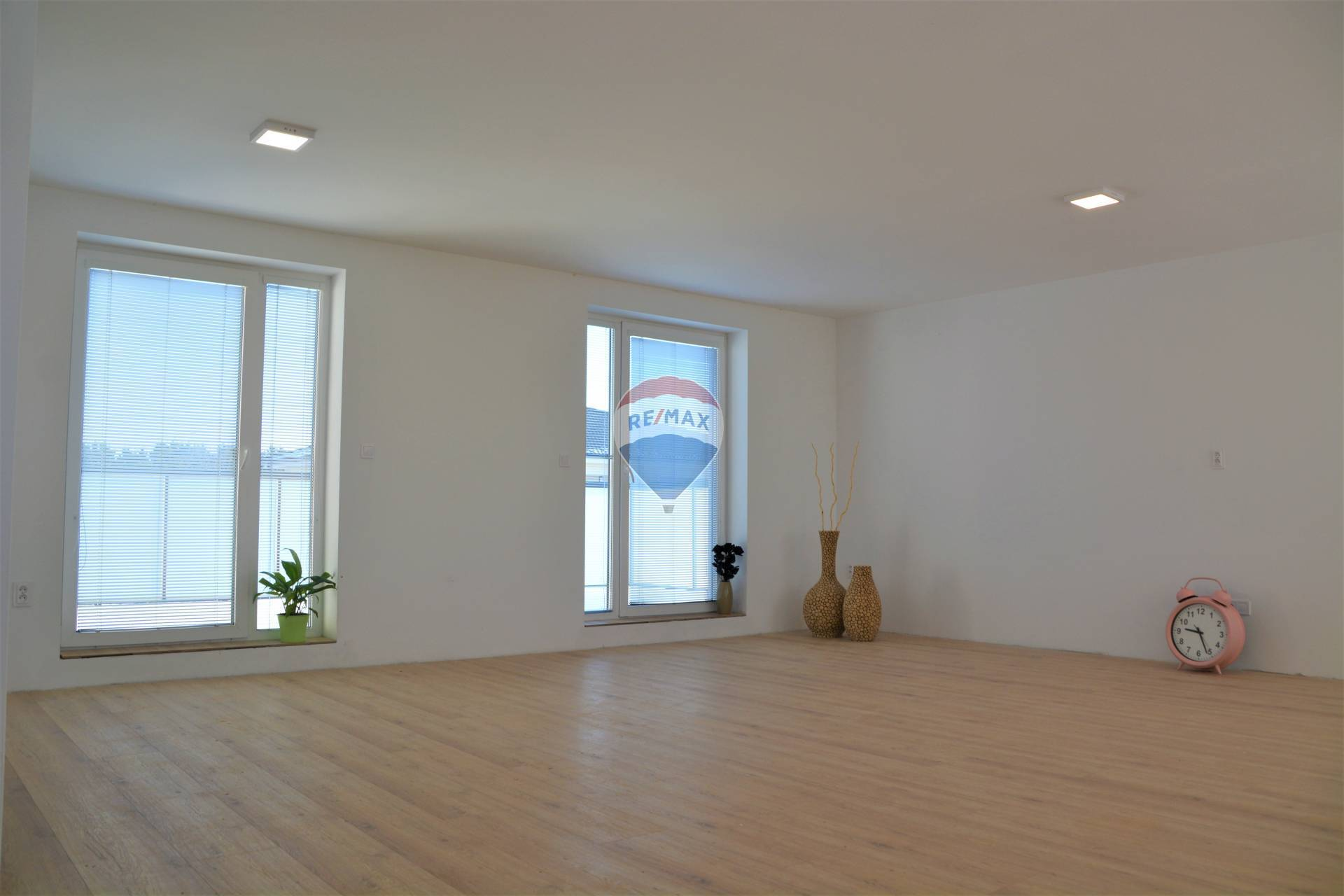 Na predaj 4 izb.byt s dvoma kúpelňami a priestrannou terasou