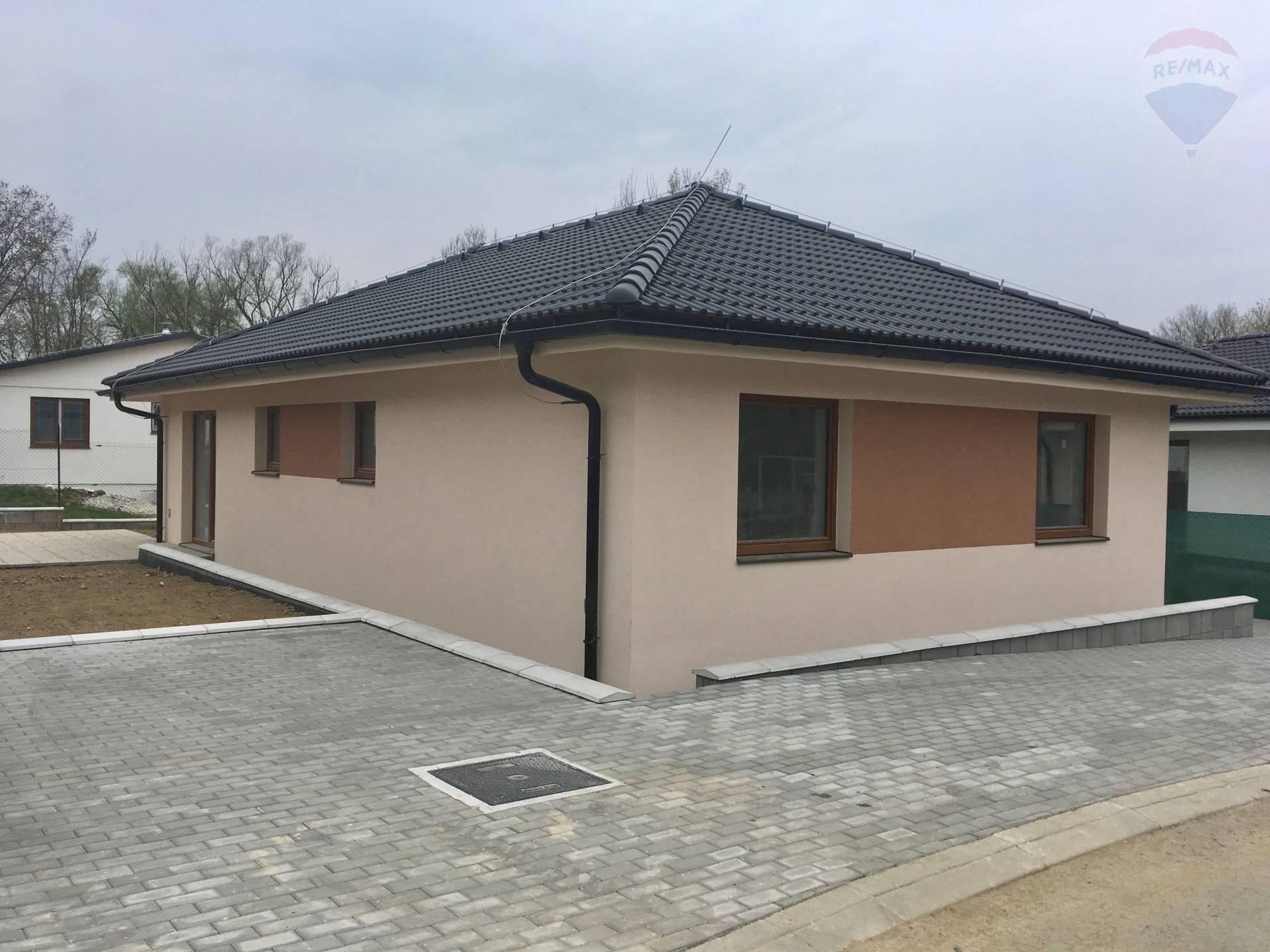 REZERVOVANÉ !!! Novostavba rodinného domu v tichom prostredí