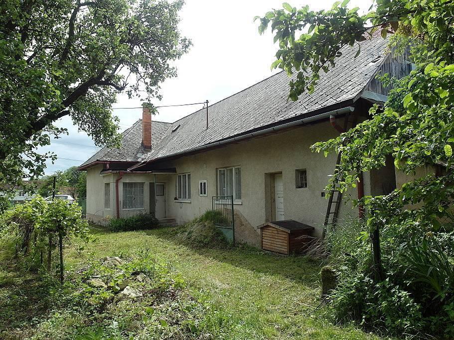 PREDAJ starší Rodinný dom s väčším pozemkom Diviacka Nová Ves