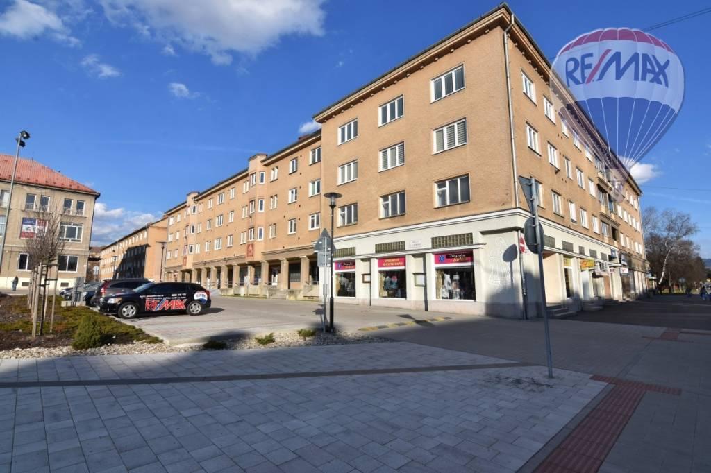 Prenájom komerčného priestoru 112 m2, Prievidza - Nebytový priestor 112m2 Prievidza centrum