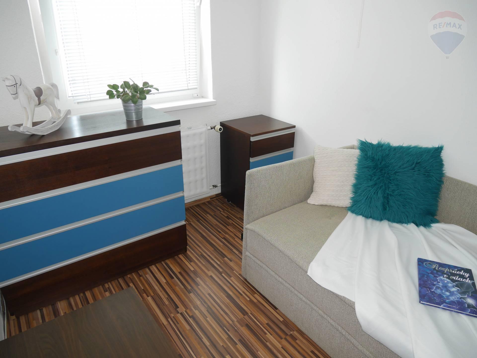 NA PREDAJ!!! 3 izbový byt, Prievidza, ul.J.M.Hurbana, 64m2