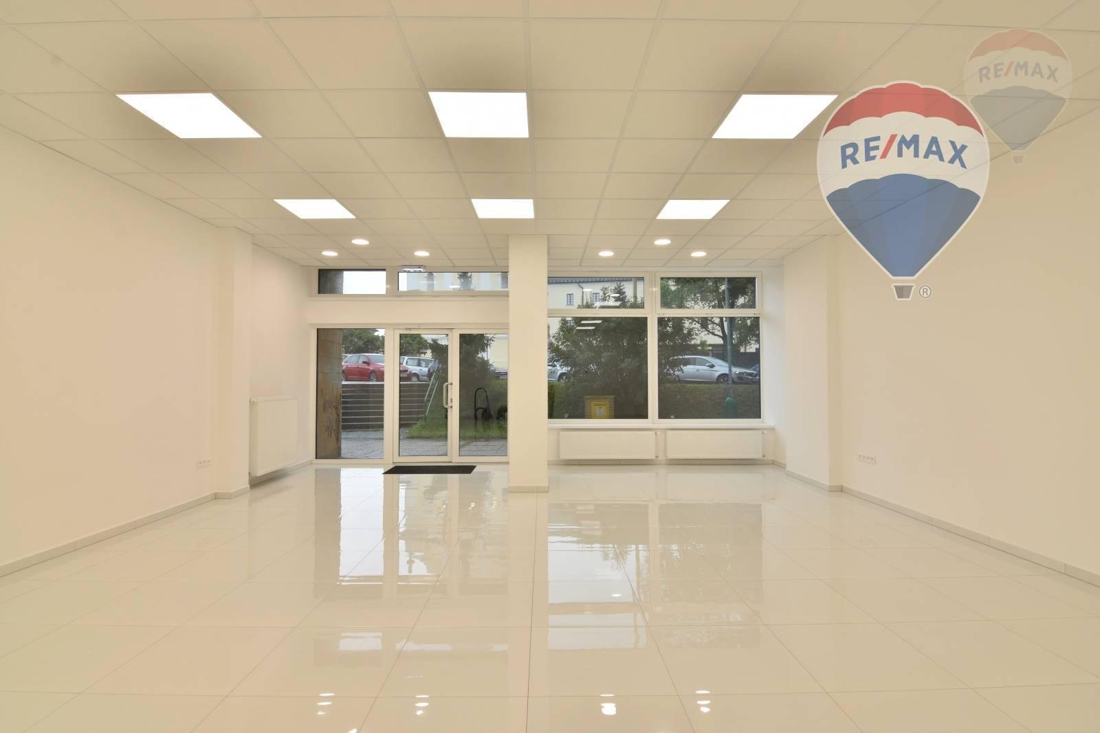 Prenájom komerčného priestoru 77 m2, Prievidza - Nebytový priestor 77m2 Centrum Prievidza