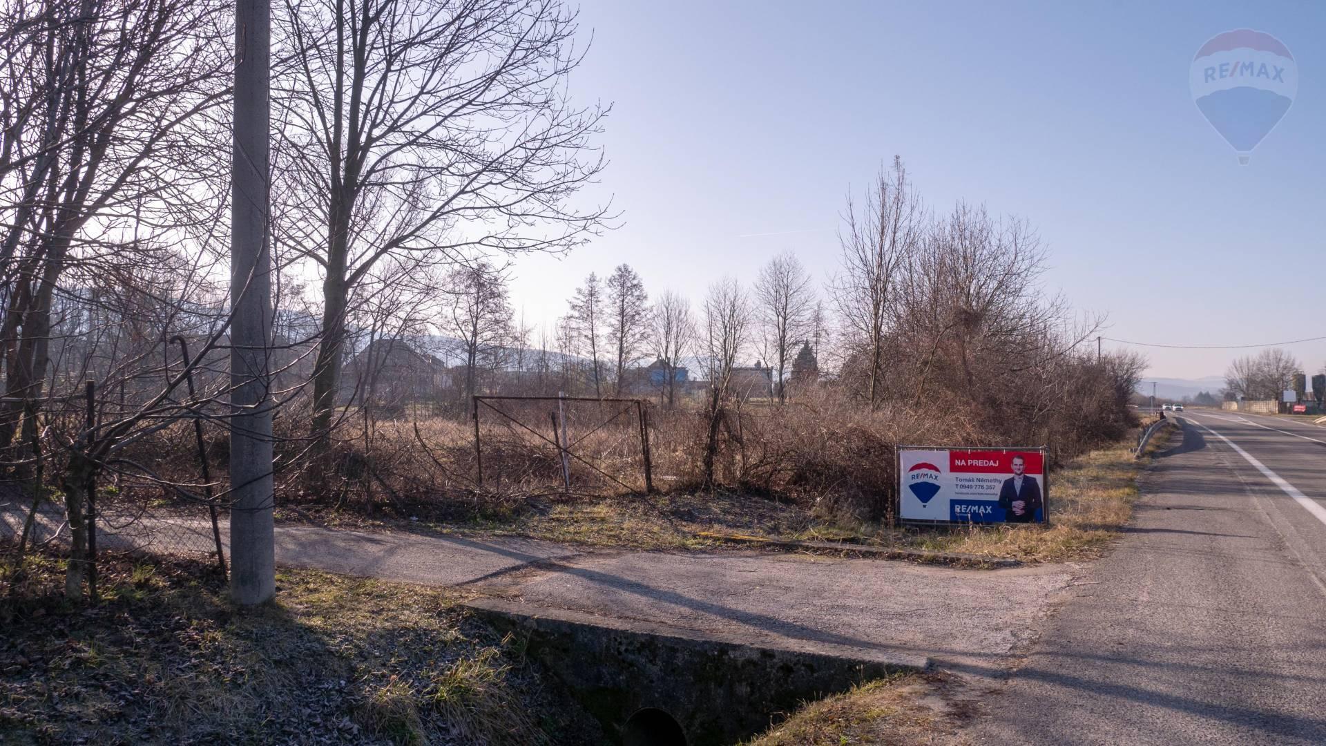 PREDAJ - Pozemok 2670 m2 - Pri hlavnej ceste Bystričany