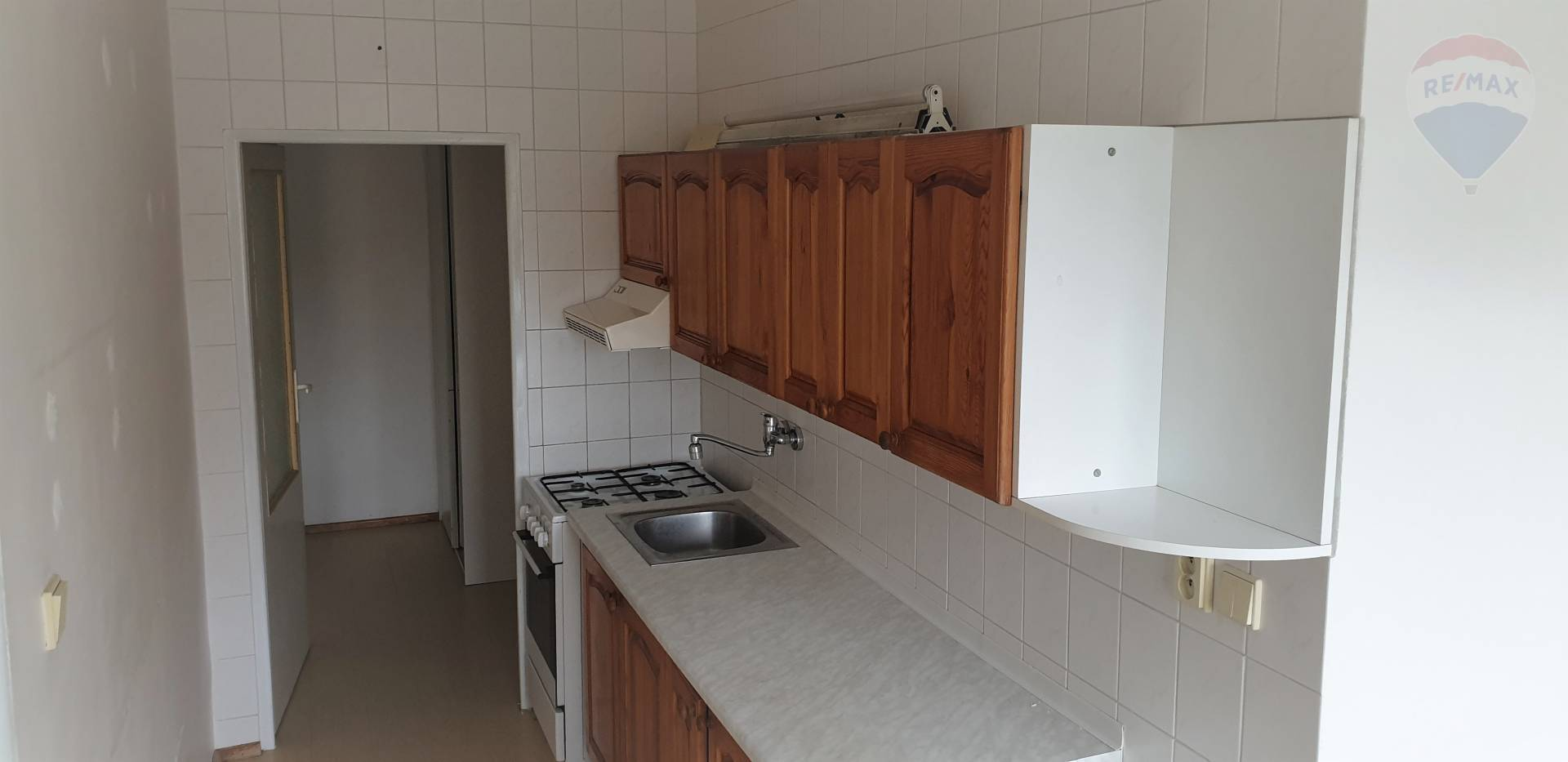REZERVOVANÉ!!! 2-izbový veľkometrážny byt v širšom centre mesta