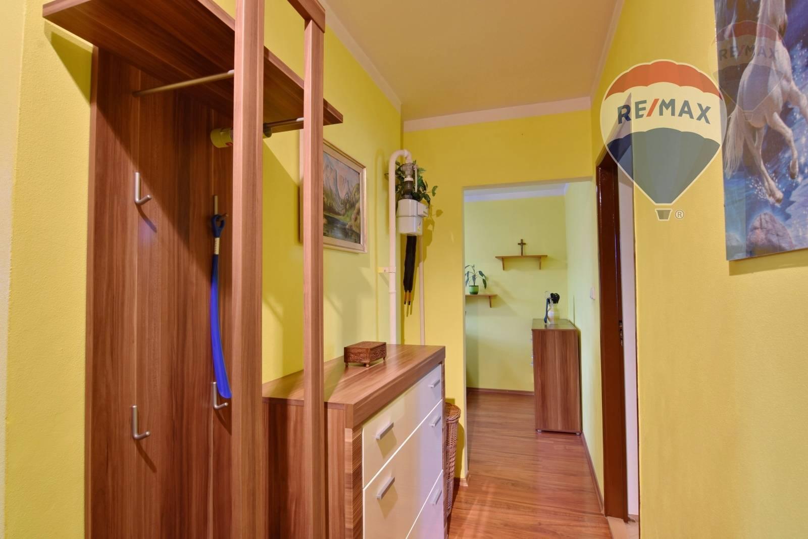 TEHLOVÝ Byt 2-izbový 62m2 Staré sídlisko Prievidza