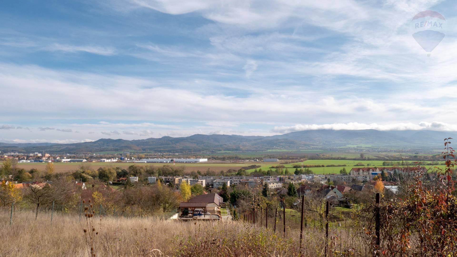 PREDAJ - Pozemok 1600 m2 - Opatovce nad Nitrou - úžasný výhľad