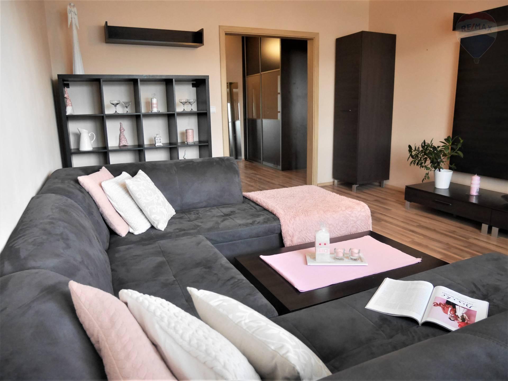 NA PRENÁJOM!!! 3.izbový byt v Necpaloch, výťah, lodžia