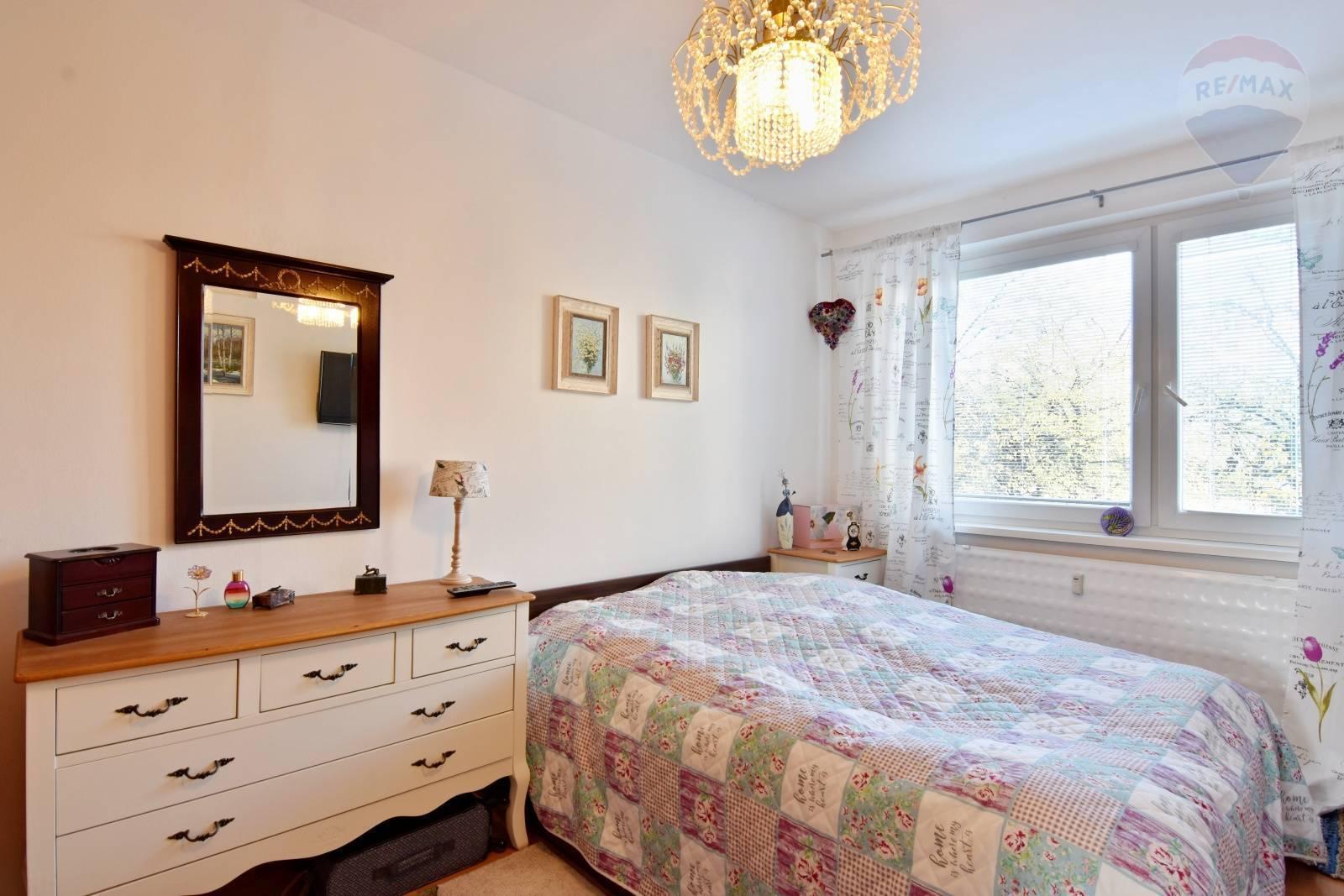 Predaj bytu (3 izbový) 84 m2, Prievidza - Byt 4izb. Prievidza 84 m2