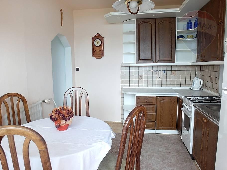 PREDAJ - 3-izbový byt ul. Ondrejova Prievidza