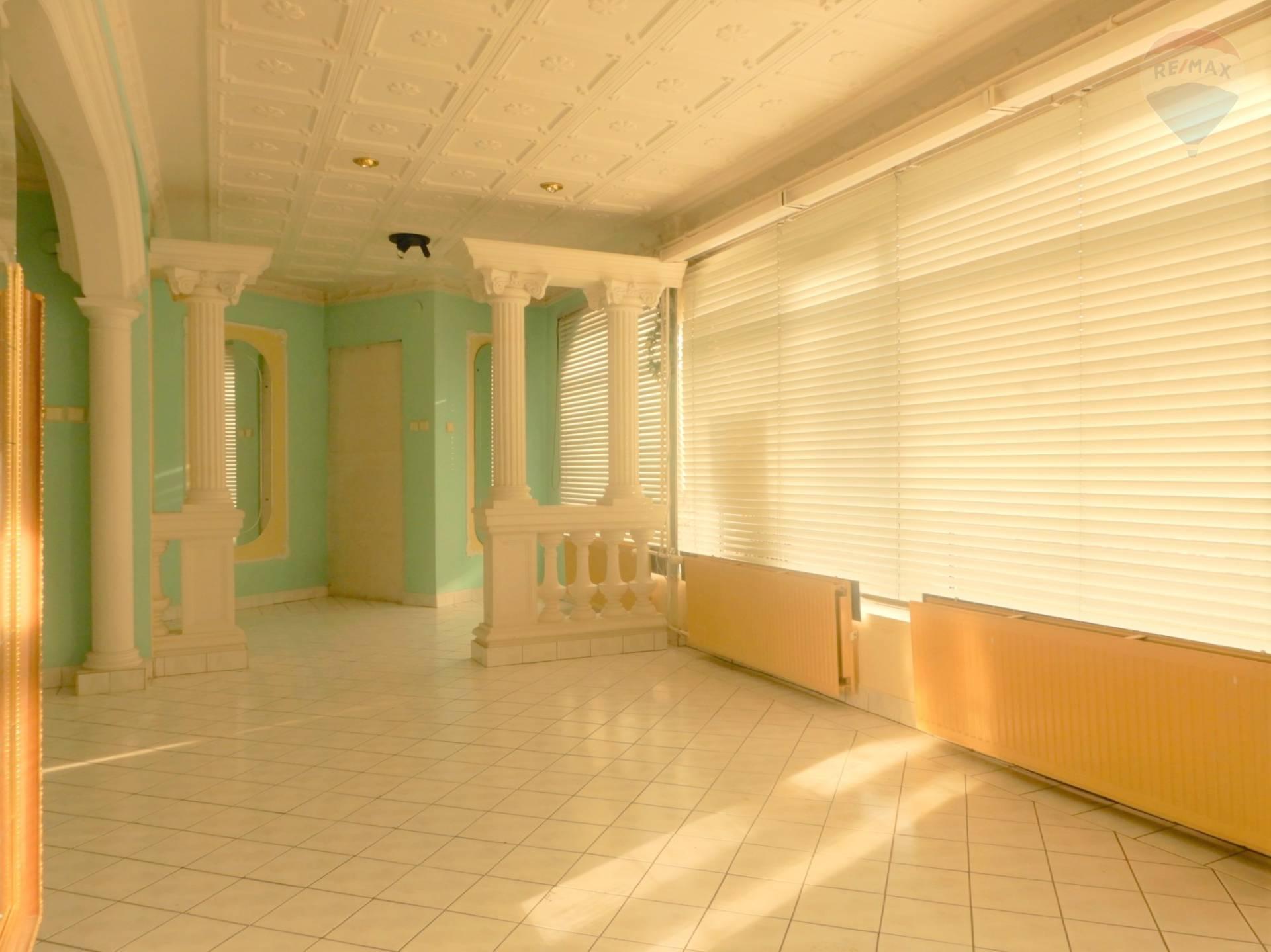 Prenájom komerčného priestoru 50 m2, Prievidza -