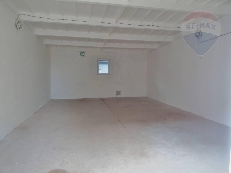 PRENÁJOM skladové priestory 60 m2 Prievidza