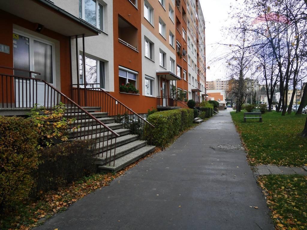 4 izbobý byt, 82 m2, ul. Stavbárov - sídl. Žabník PRIEVIDZA