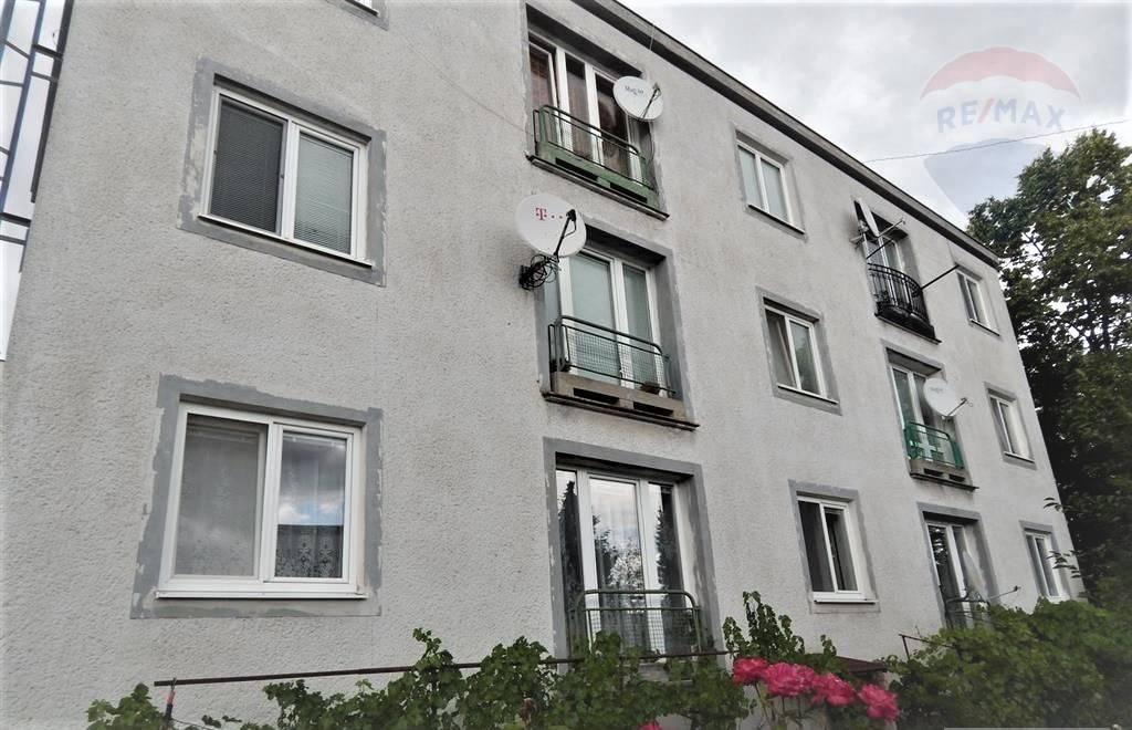 3 izbový byt, 69m2 , Záhrada, Krb
