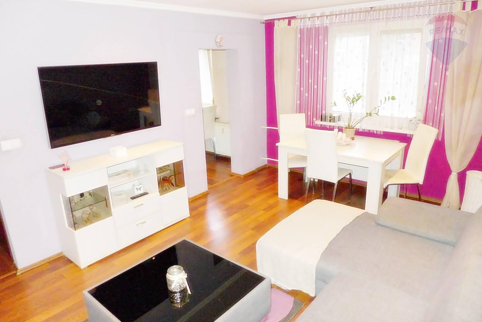 2 izbový byt 55 m2 ul. Šumperská - prízemie - širšie centrum mesta PRIEVIDZA