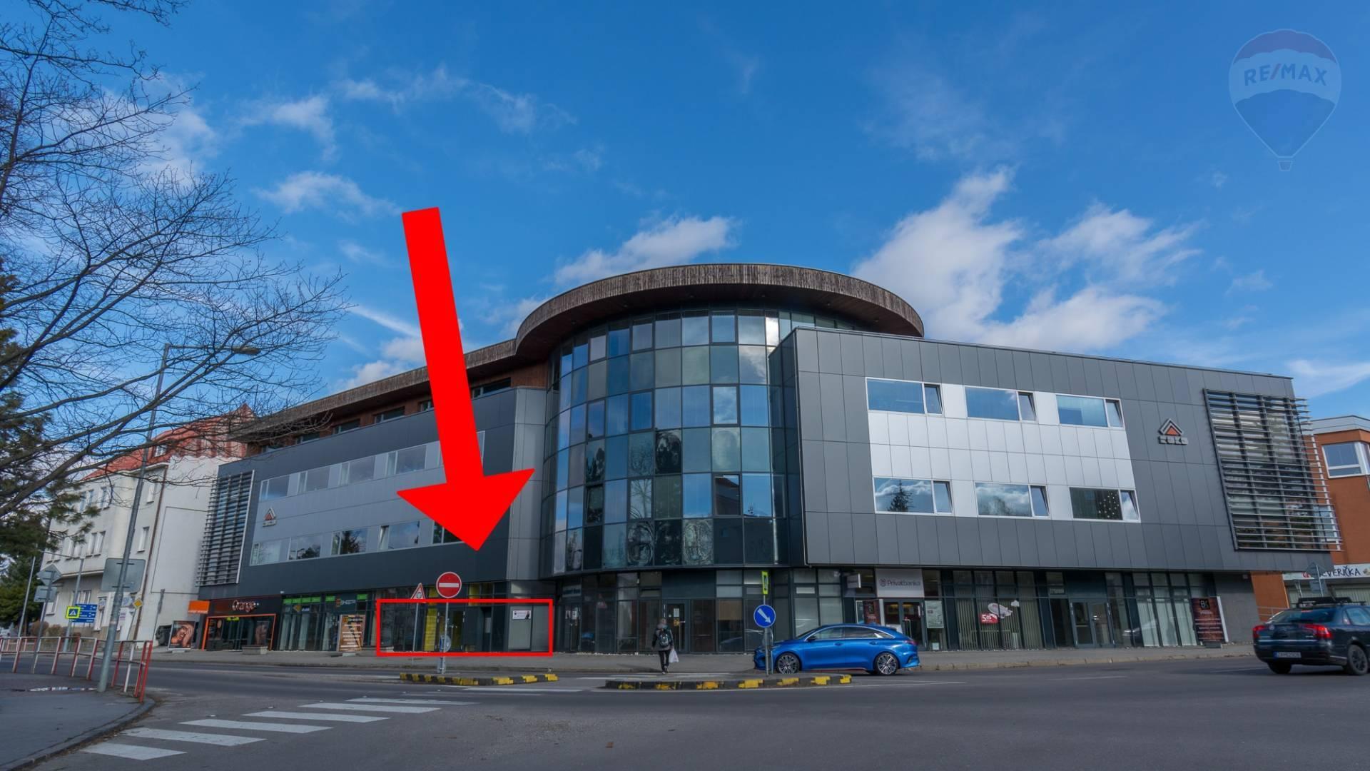 PRENÁJOM reprezentatívne Komerčné priestory 175 m2 Prievidza centrum