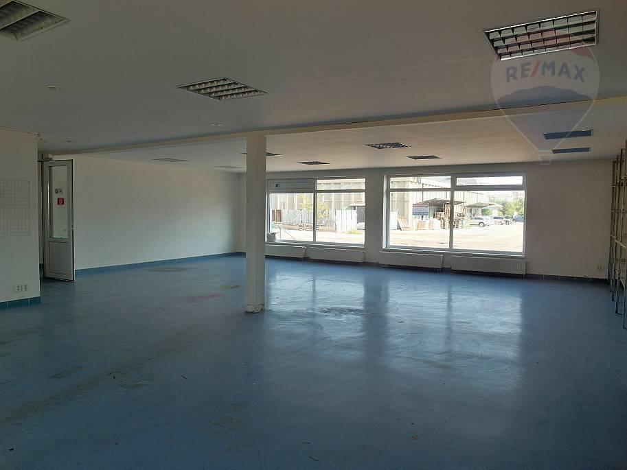 Prenájom - Prevádzková budova 231 m2 Prievidza