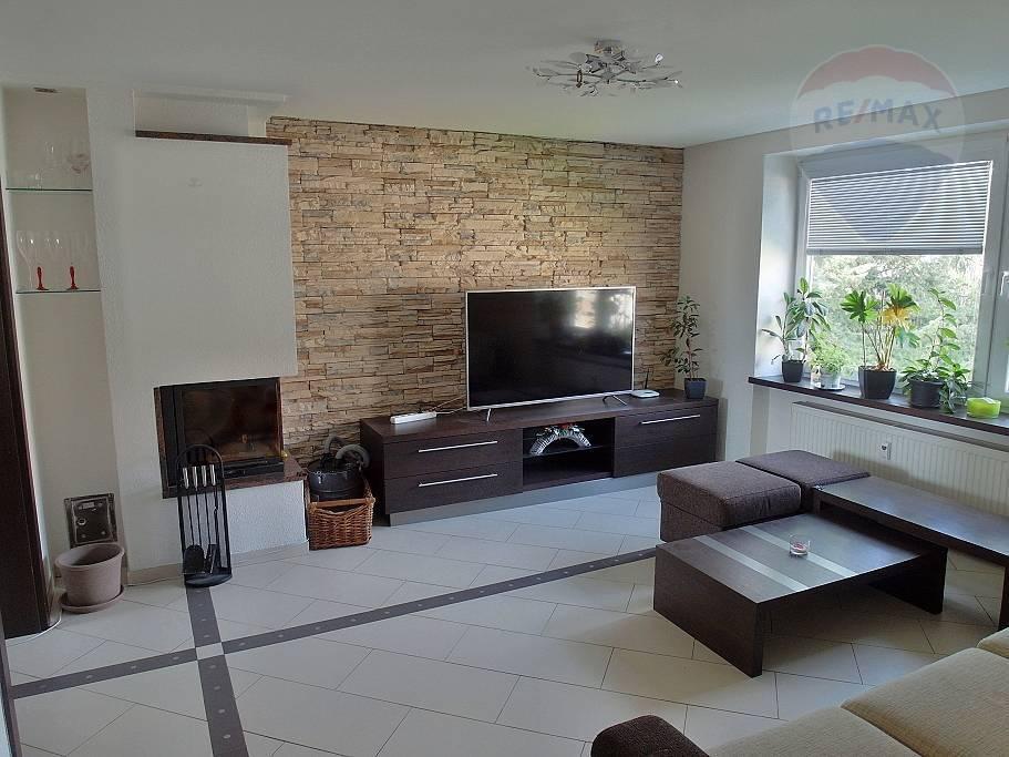 Prenájom bytu (3 izbový) 75 m2, Prievidza -
