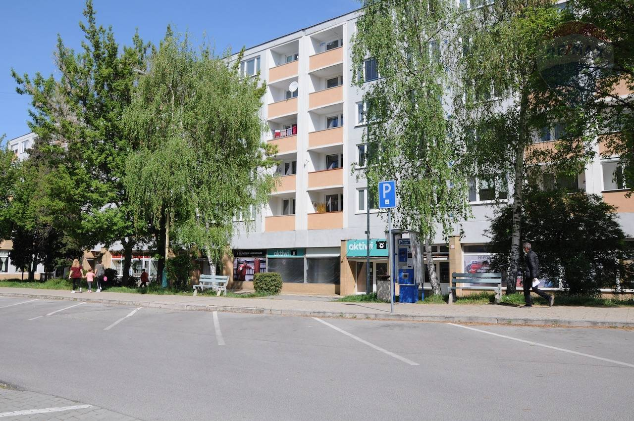 Prenájom komerčných priestorov v centre mesta Prievidza..