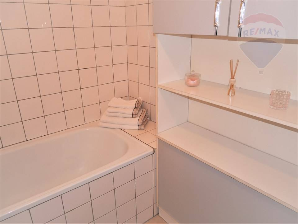 Prenájom bytu (2 izbový) 50 m2, Prievidza -