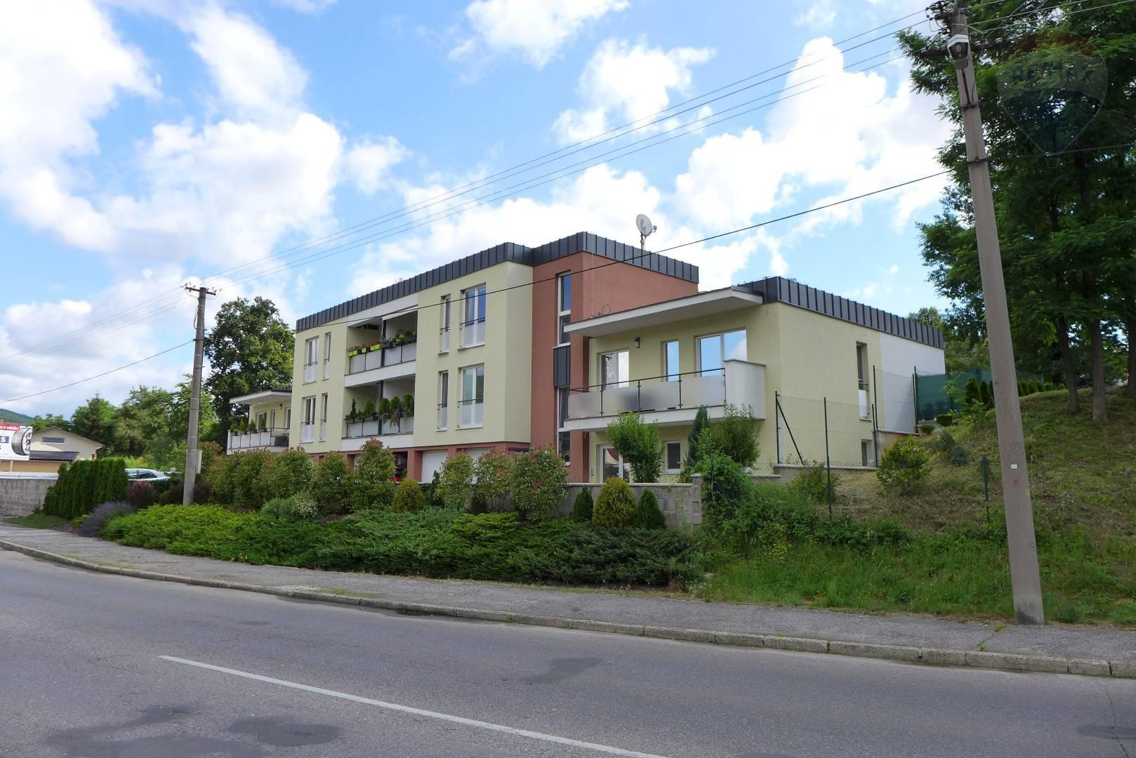 PREDAJ BYT 42 m2, parkovacie státie, vlastné kúrenie, novostavba Bojnice - Dubnica.