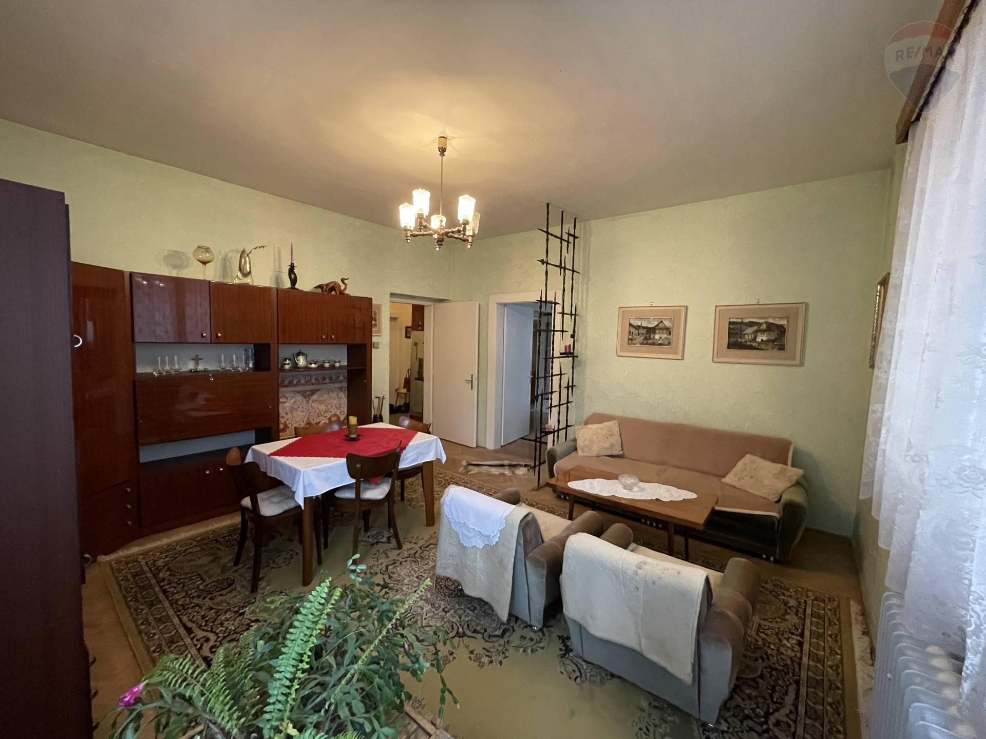 Predaj 5 izbový byt 137m2 s pozemkom 912m2 Handlová