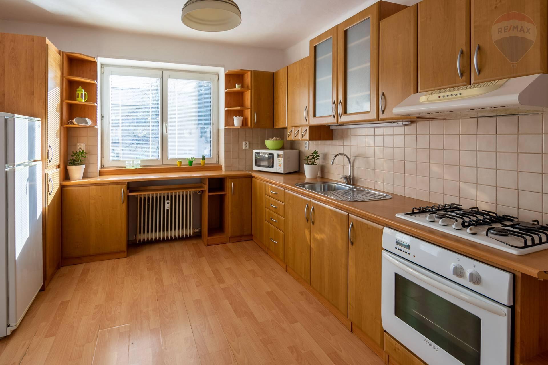 PRENÁJOM -2- izb. byt - Staré sídlisko Prievidza