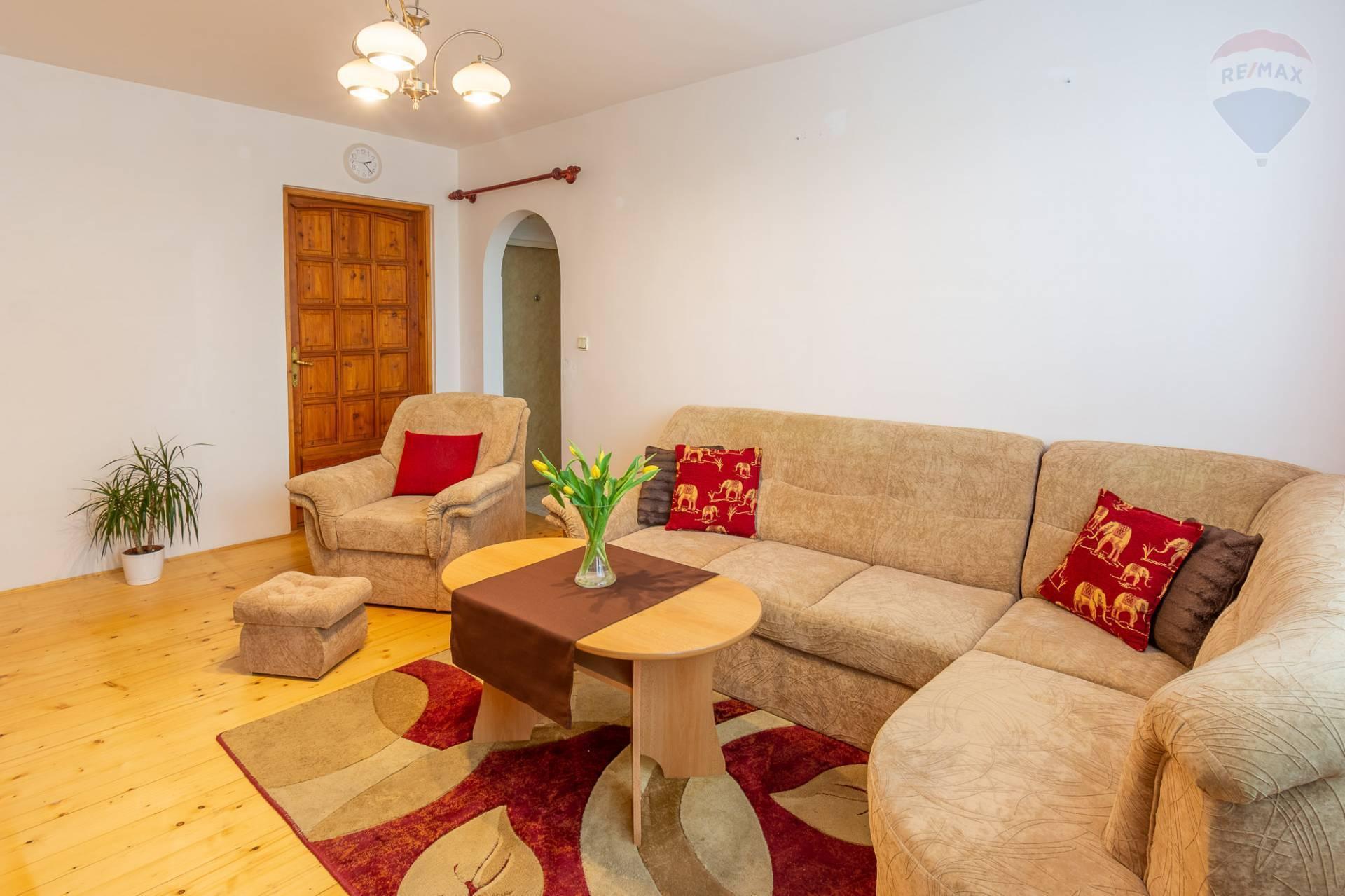 PREDAJ -1,5 izbový byt - lokalita Sever Prievidza -  rezervované