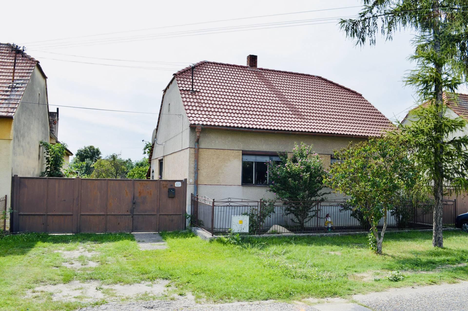 Ponúkame na predaj 3-izbový rodinný dom v meste Moravský Sv Ján.