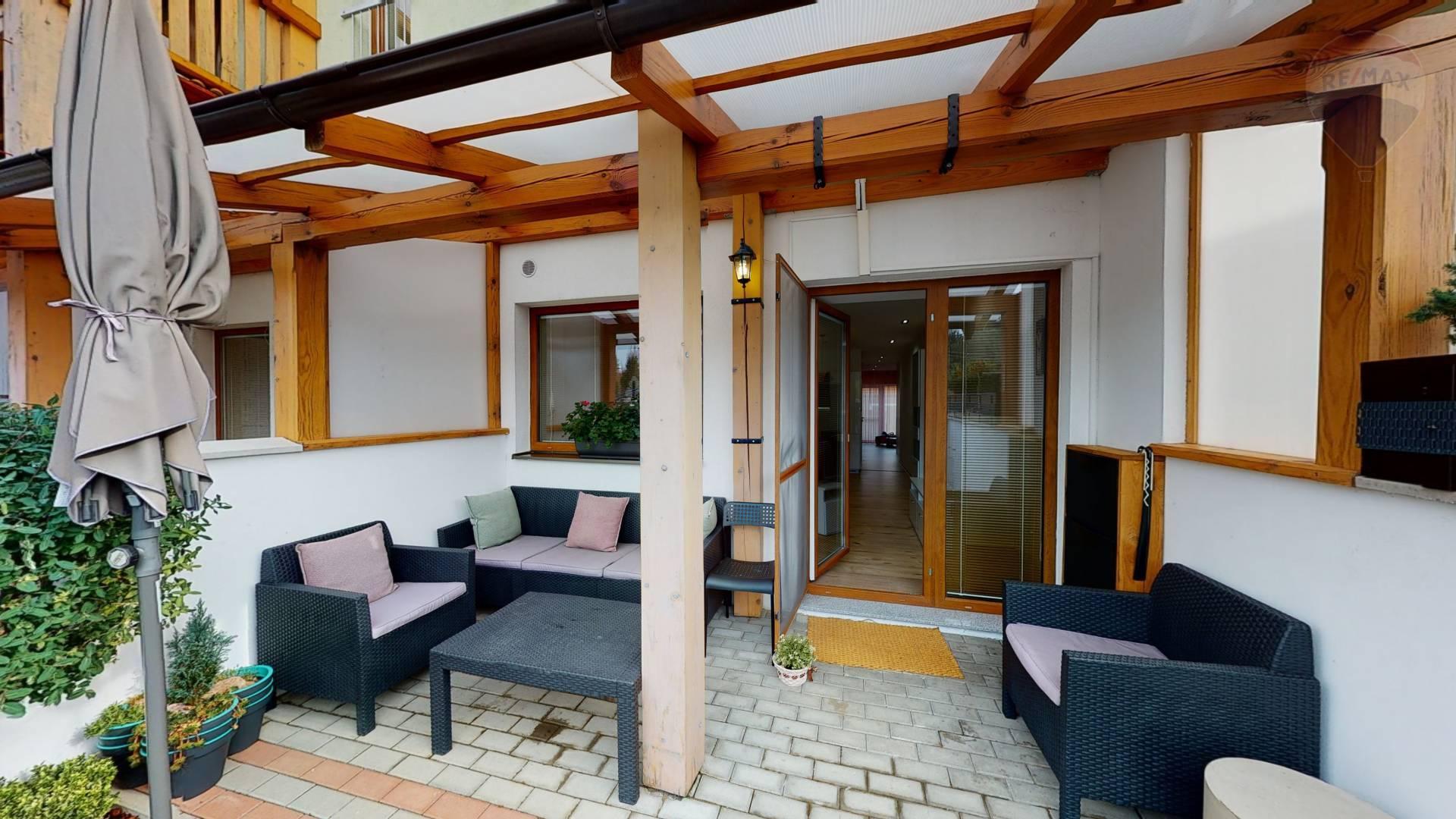 Exkluzívny 3-izb.byt s terasou, balkónom, parkovacím miestom v Skalici