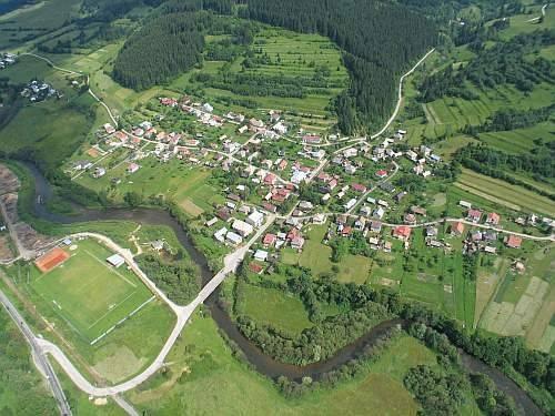 Predaj pozemku 1355 m2, Beňuš -