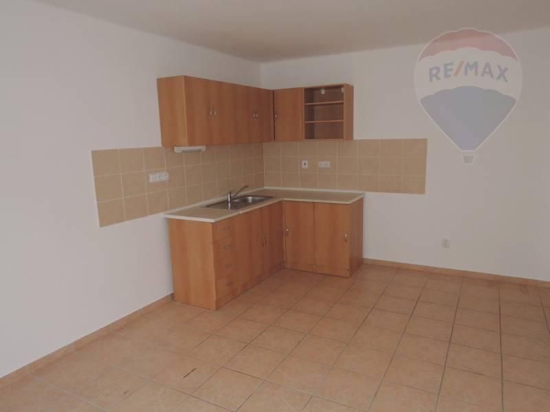 Prenájom komerčného priestoru 102 m2, Brezno -