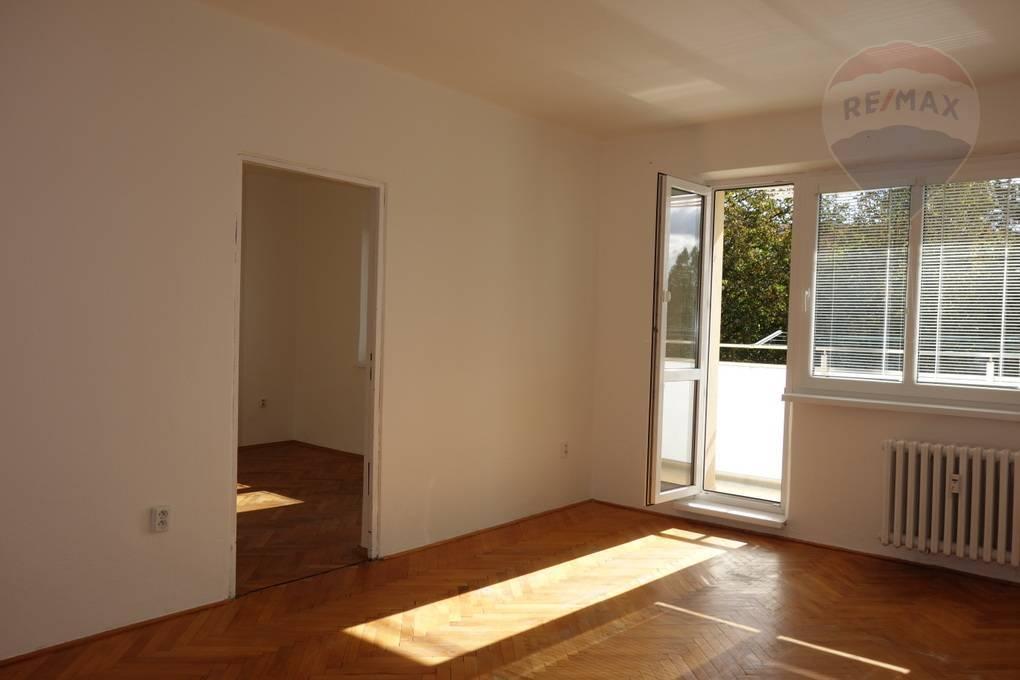 Predaj: 3 izbový byt