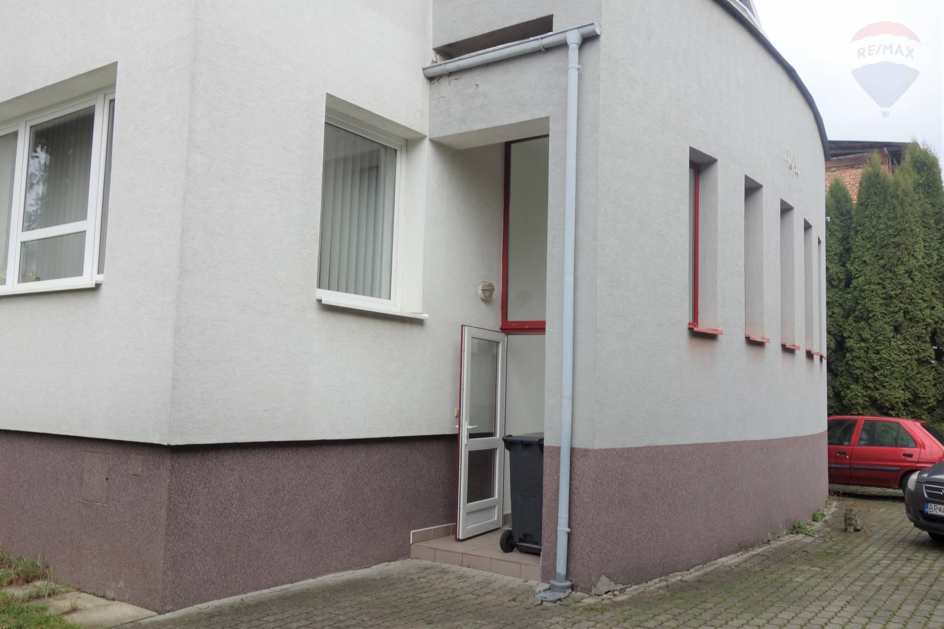 Predaj komerčného objektu 429 m2, Brezno -